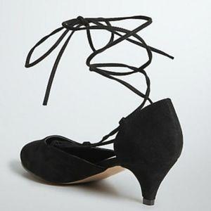 Torrid Insider Suede Lace Up Mini Heels NWOT 11